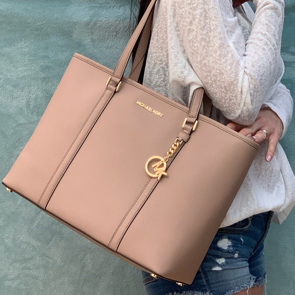 Nwt Michael Kors Sady Fawn tote Boutique